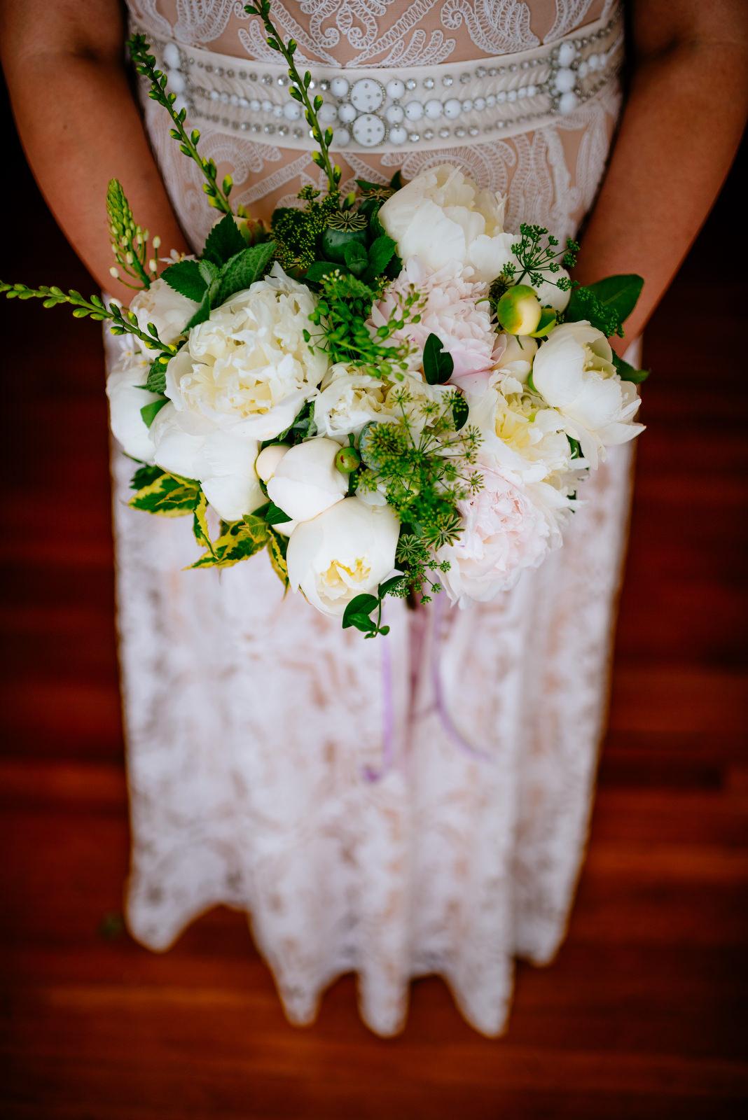 hazelfield farms bouquet holly hill inn wedding lexington ky