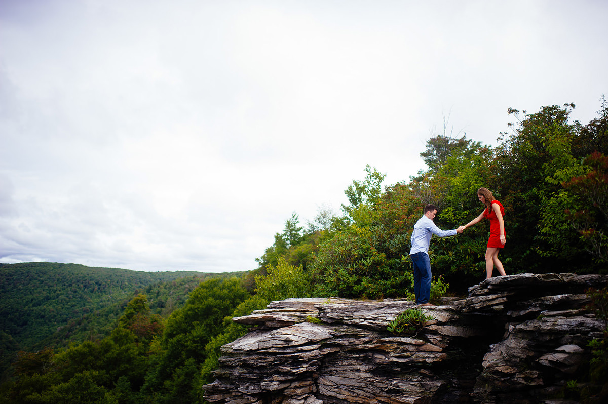 proposal pictures at blackwater falls lindy point overlook by pittsburgh photographers the oberports