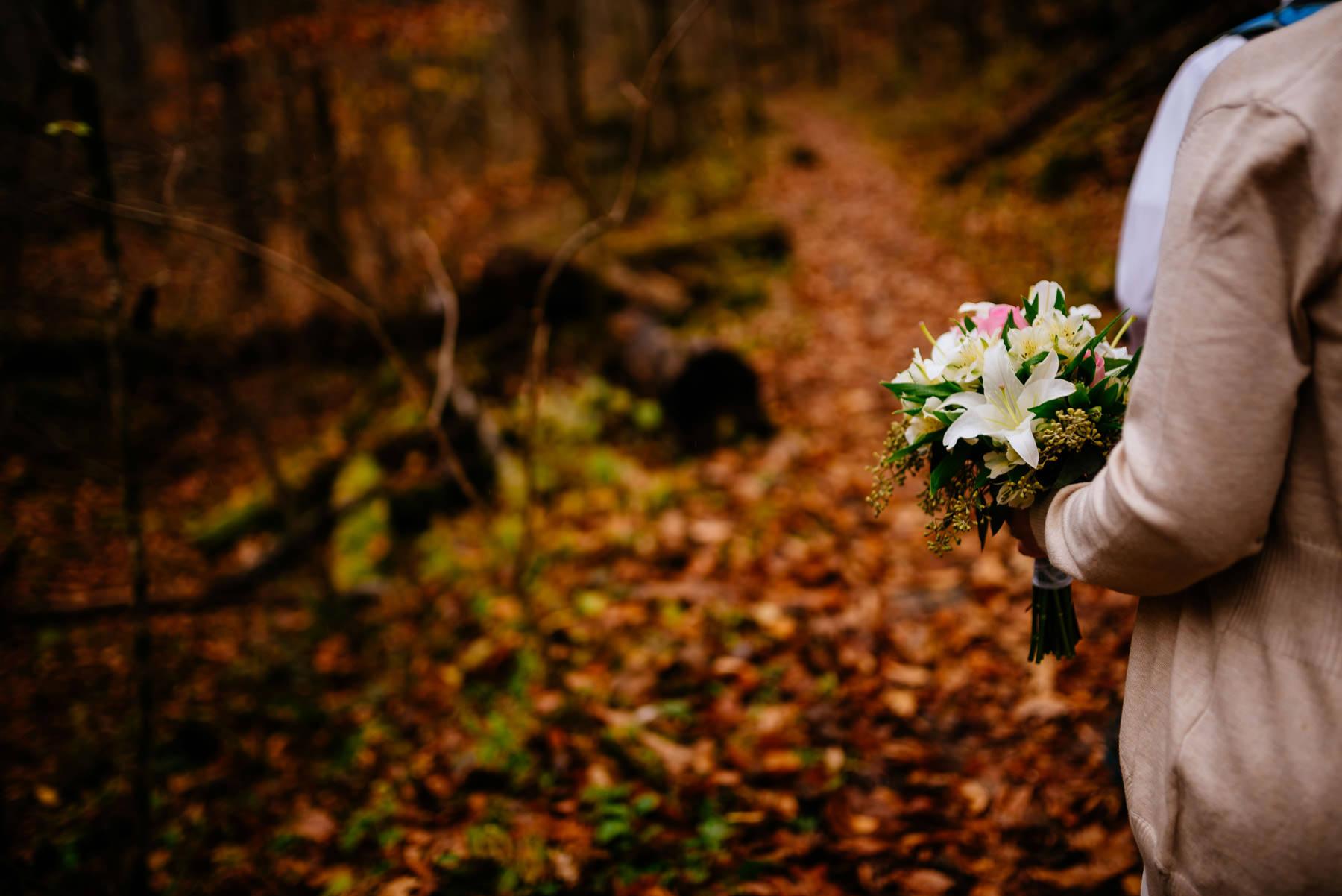 wedding details bridal bouquet fall elopement