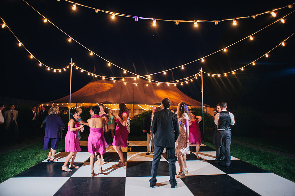 wedding reception outdoor checkarboard dancefloor2