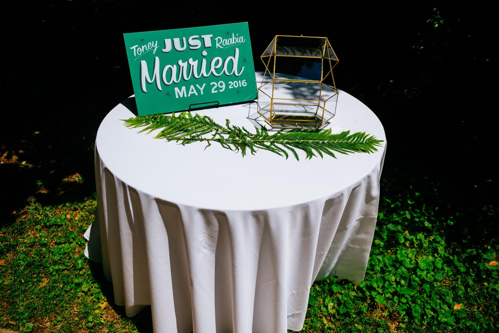 present table holly hill inn wedding lexington ky