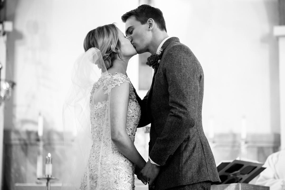 wv winter wedding first kiss