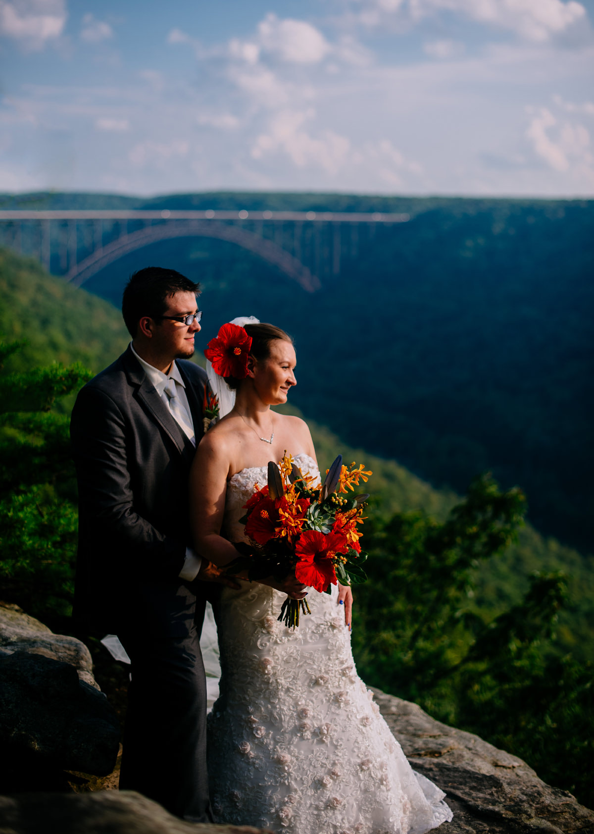 Adventures on the Gorge Wedding with Chinese details • The