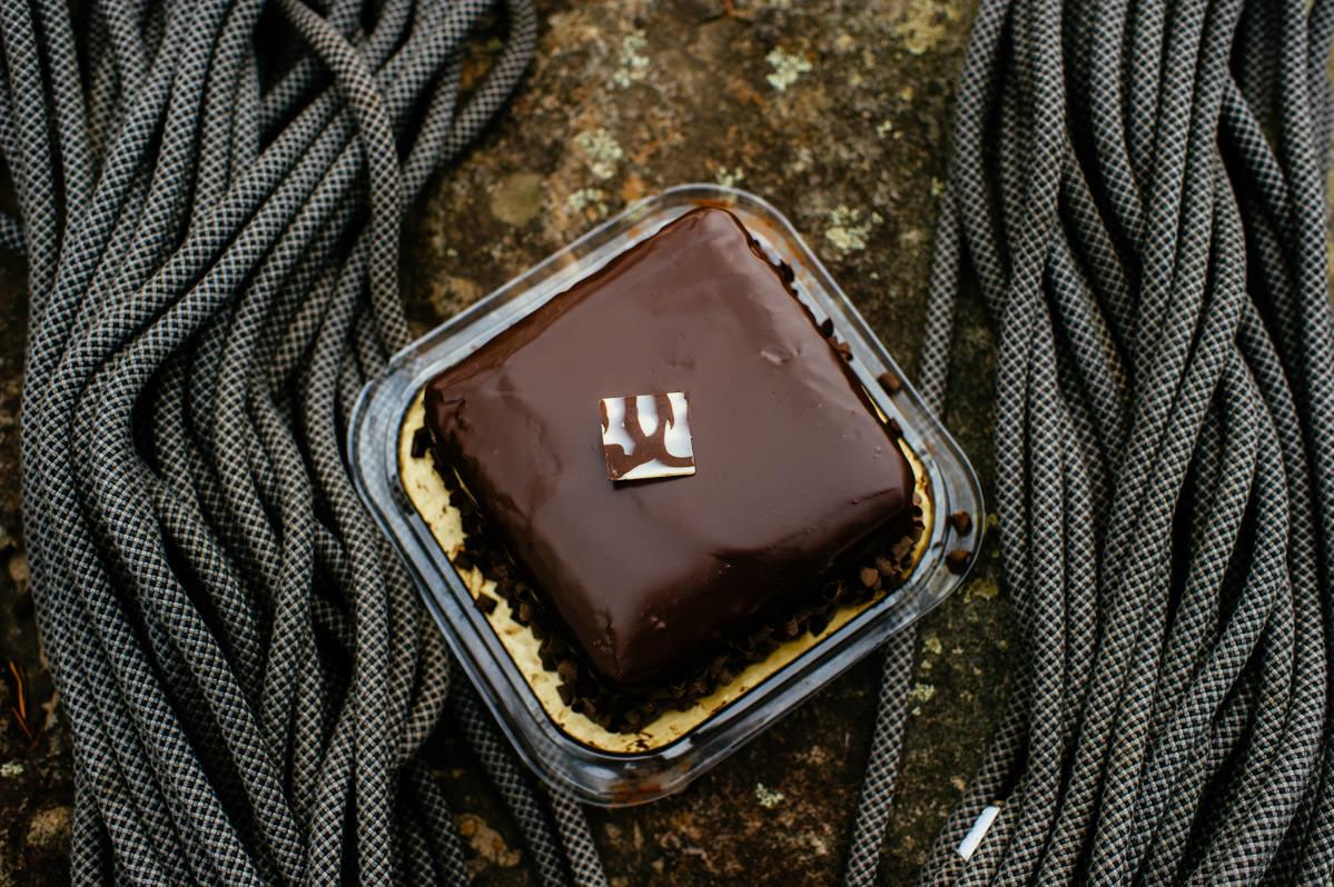 wv west virginia rock climber wedding chocolate cake and ropes