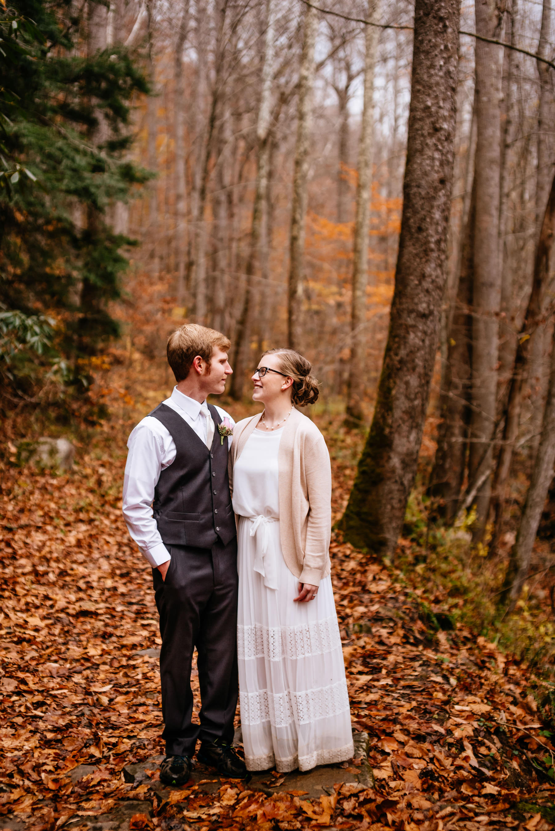 fall outdoor wedding portrait wv hiking elopement