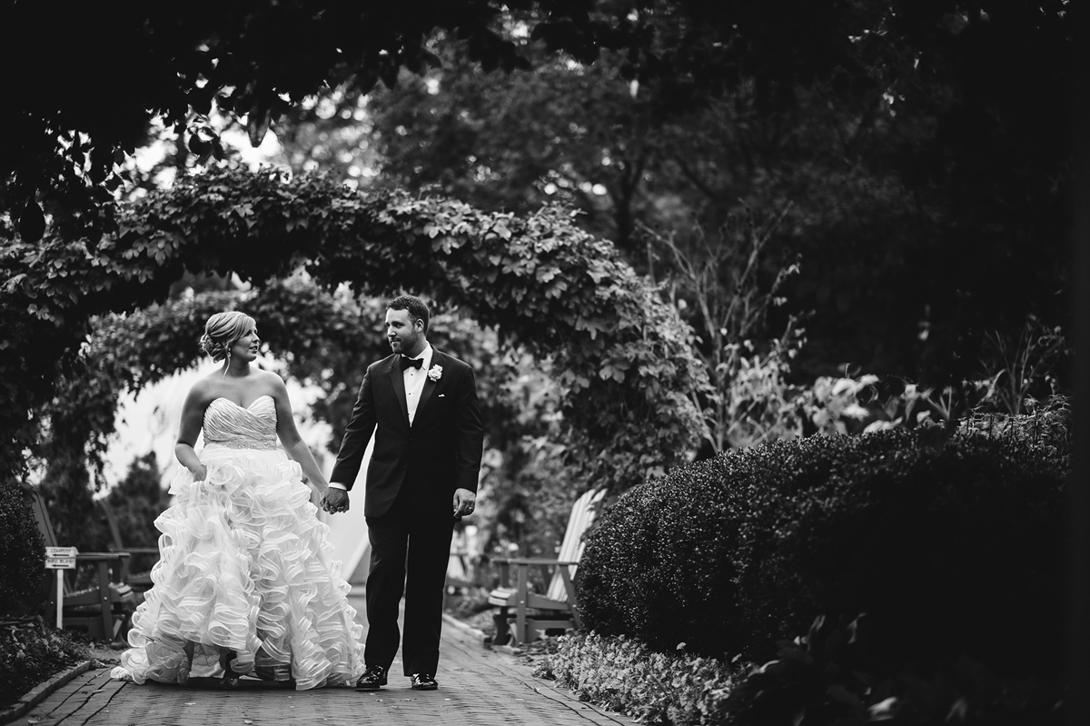 timeless bride and groom photos