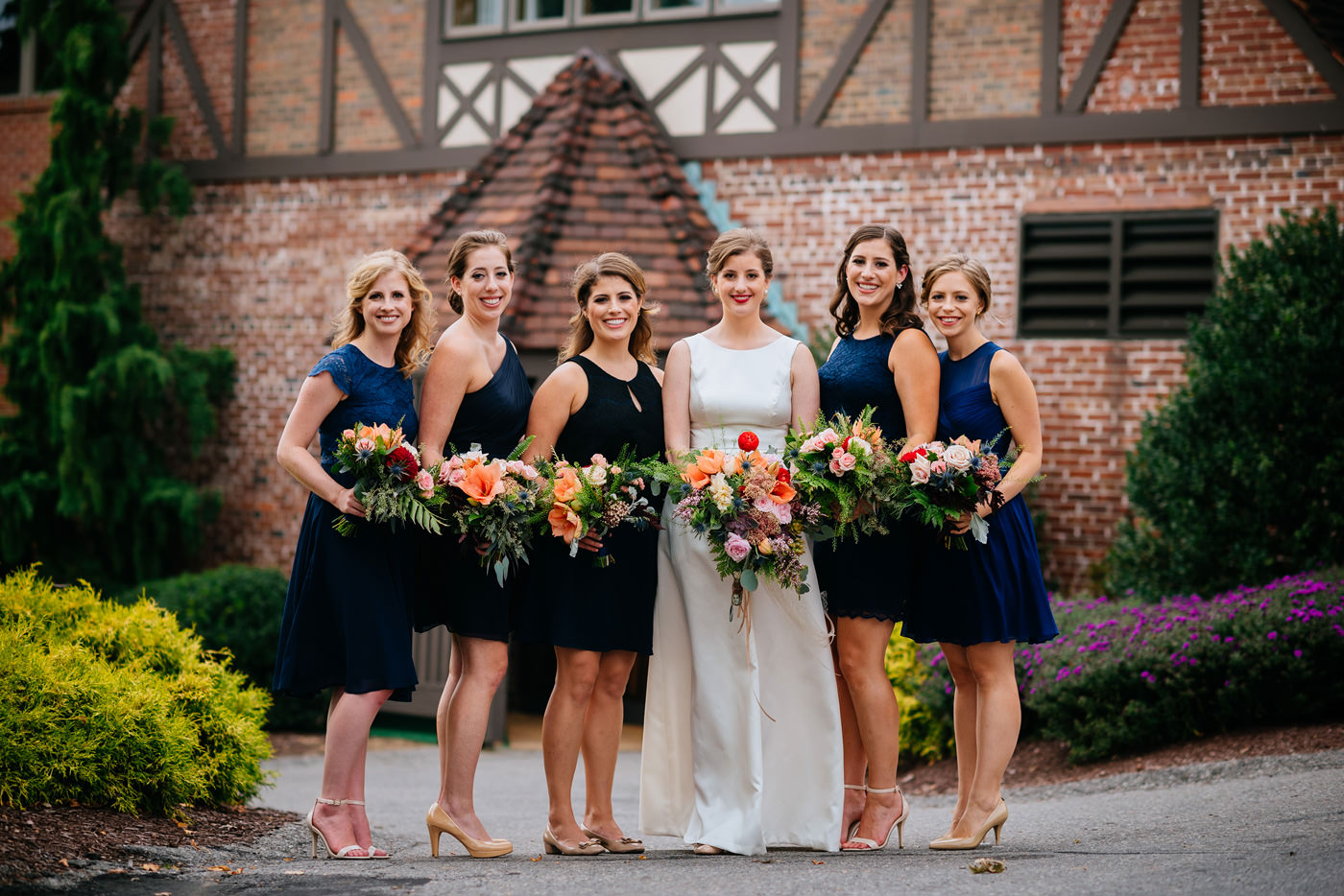pittsburgh bride with bridesmaids pic