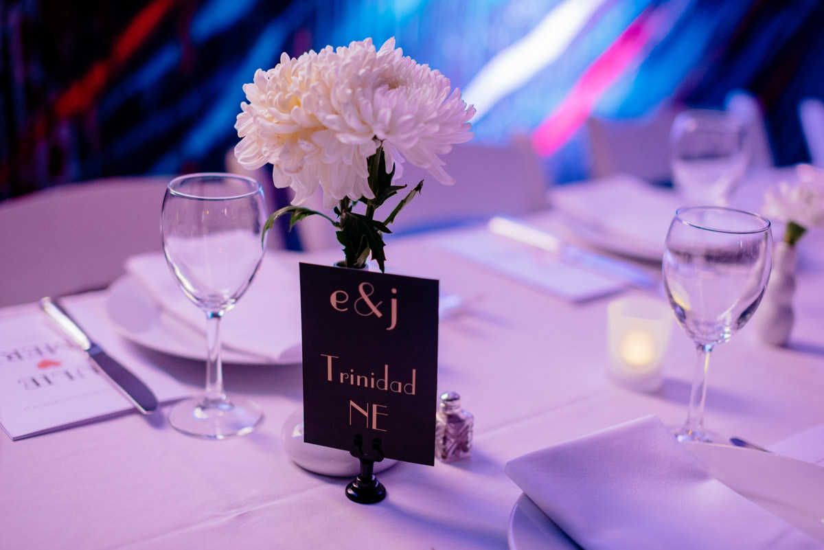 blind whino wedding reception table settings