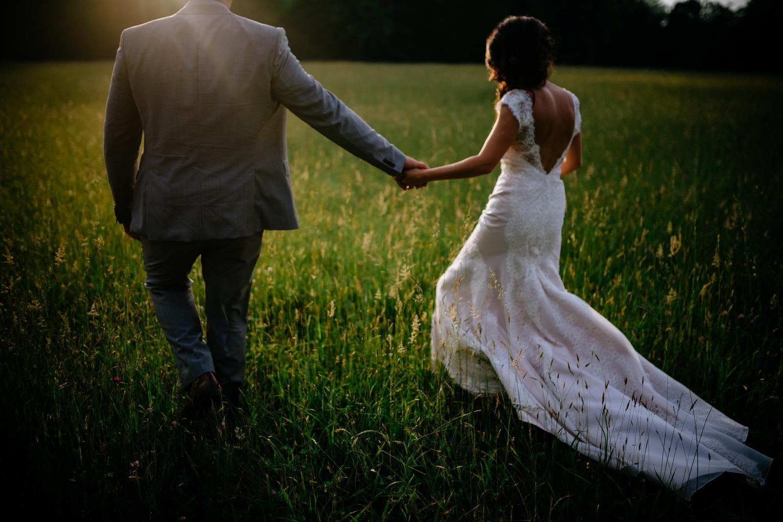 strolling through the field wedding portraits under white oak tree gaines estate fayetteville wv wedding