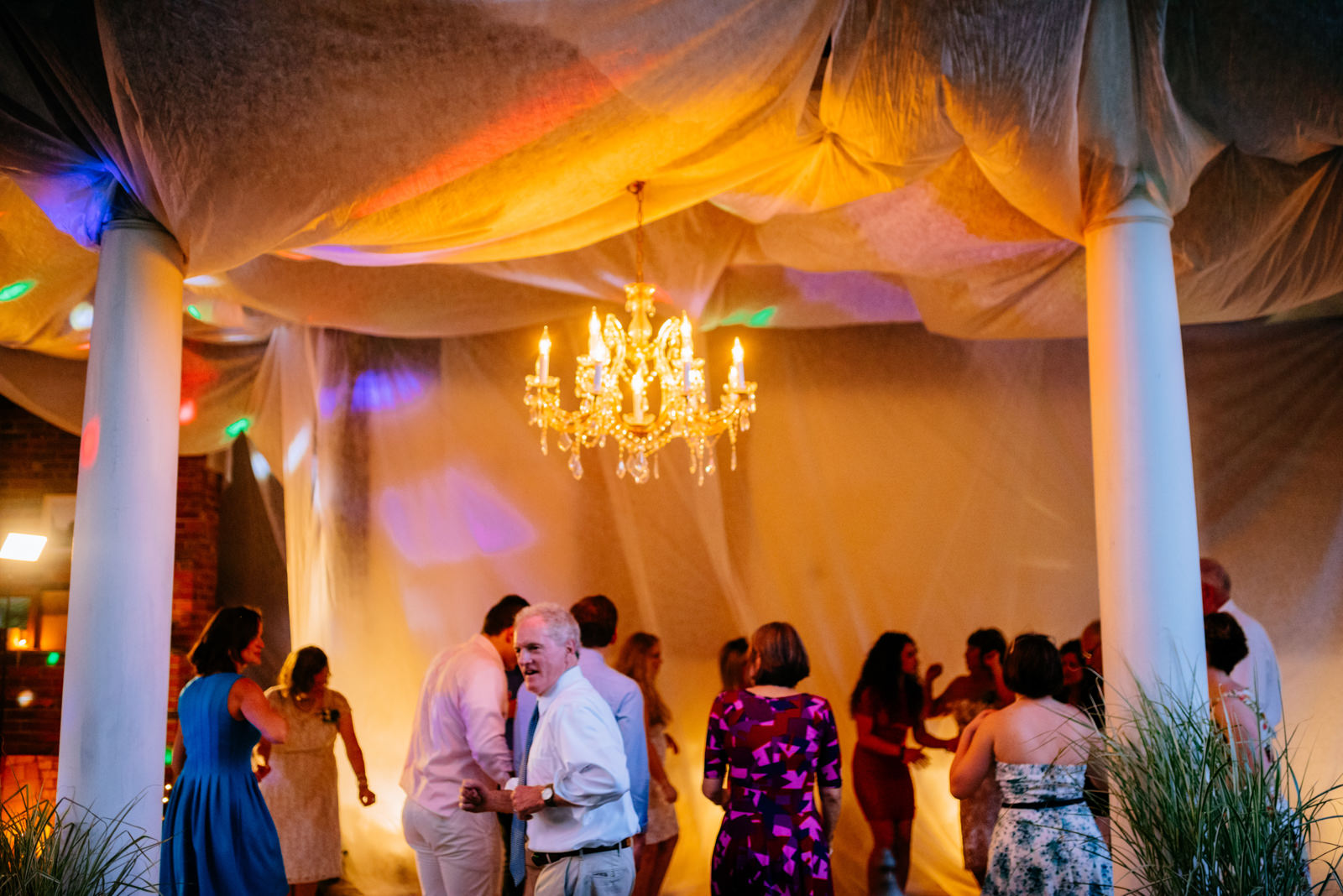 guests dancing during wedding reception gaines estate fayetteville wv wedding