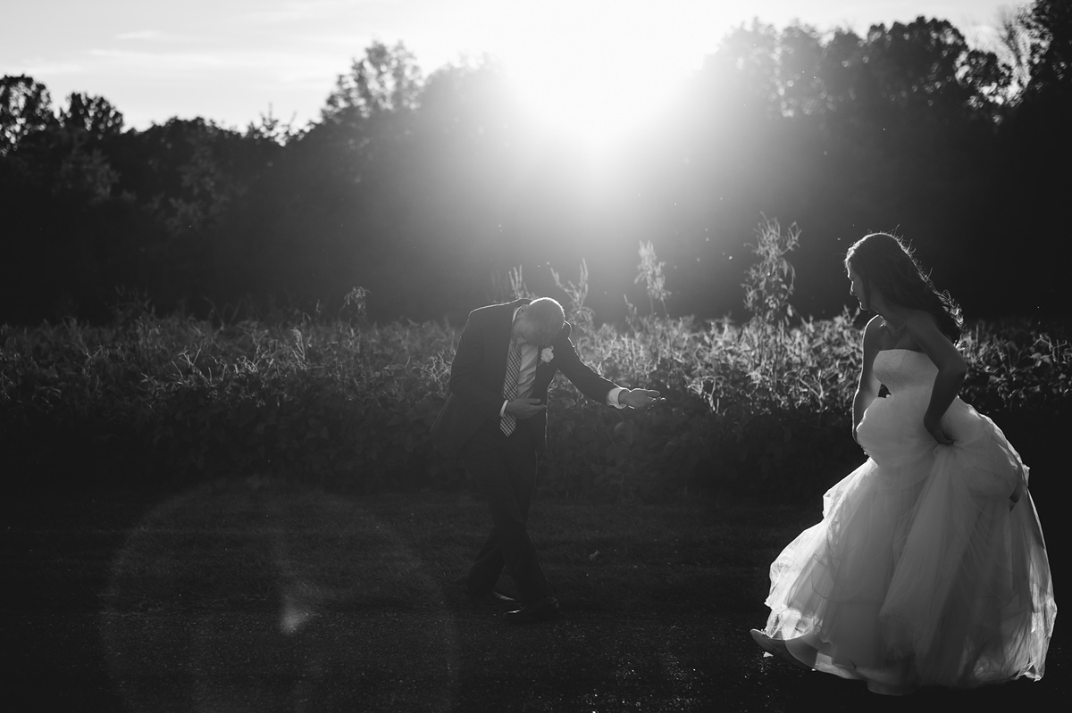 first dance photos at sunset curtsy